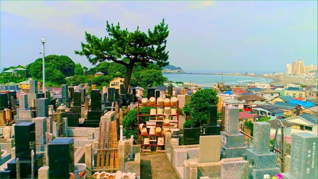 霊園から望む湘南の海